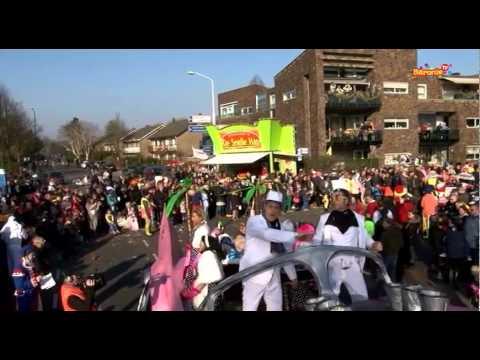 Grote Optocht Boemeldonck (Prinsenbeek) - Zondag 2015 (Deel 3/5)
