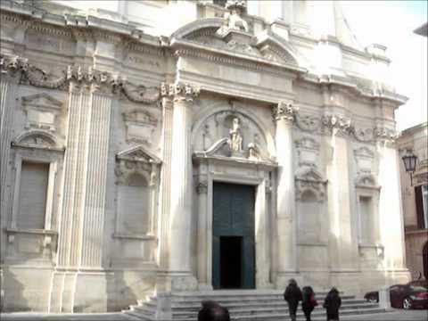 February 7, 2012 Baroque church facades of Lecce, Puglia.wmv
