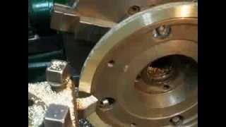 Обработка бронзового кольца для задвижек фрегата ч. 2(Обработка бронзового кольца диаметров 220 мм. с 4-х сторон. Эта операция проводиться для дальнейшего использ..., 2014-01-10T22:18:03.000Z)