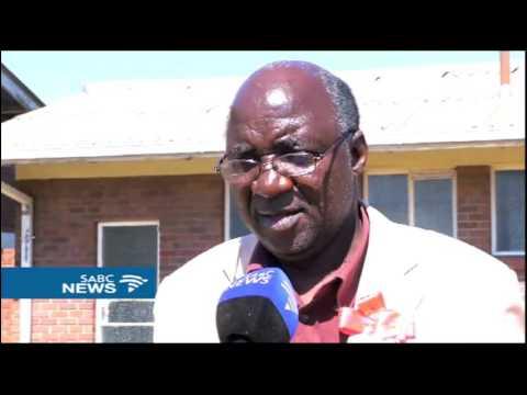 """Zimbabwe war veterans turn on """"dictator"""" Mugabe, exposing rifts"""
