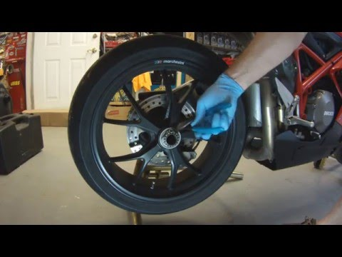 Ducati Rear Wheel Removal and Install 1098 1198 848 916 996 998  Hyper Street Fighter