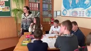 Урок по творчості Ніни Гнатюк у 15-й школі Вінниці - 6-А клас 25.02.19 ч4