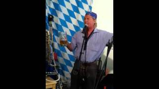 Hofbrauhaus beer song