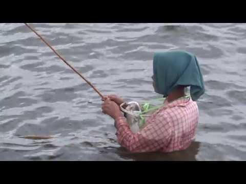 amazing myanmar Fishing style U Bein Bridge