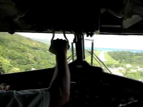 Air Seychelles Landung Praslin COCKPIT VIEW!