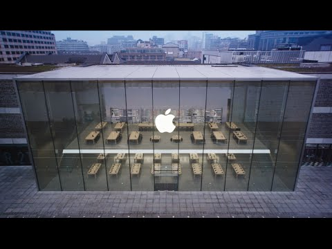 West Lake, China - Apple Store Opening