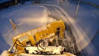 CAT257D Skid Steer W Hydraulic Plow Shooting Up Powder 4K