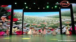 Download Жемчуженки - Танец цветов | Летний отчётный концерт 2019 | Dance Studio Focus Mp3 and Videos