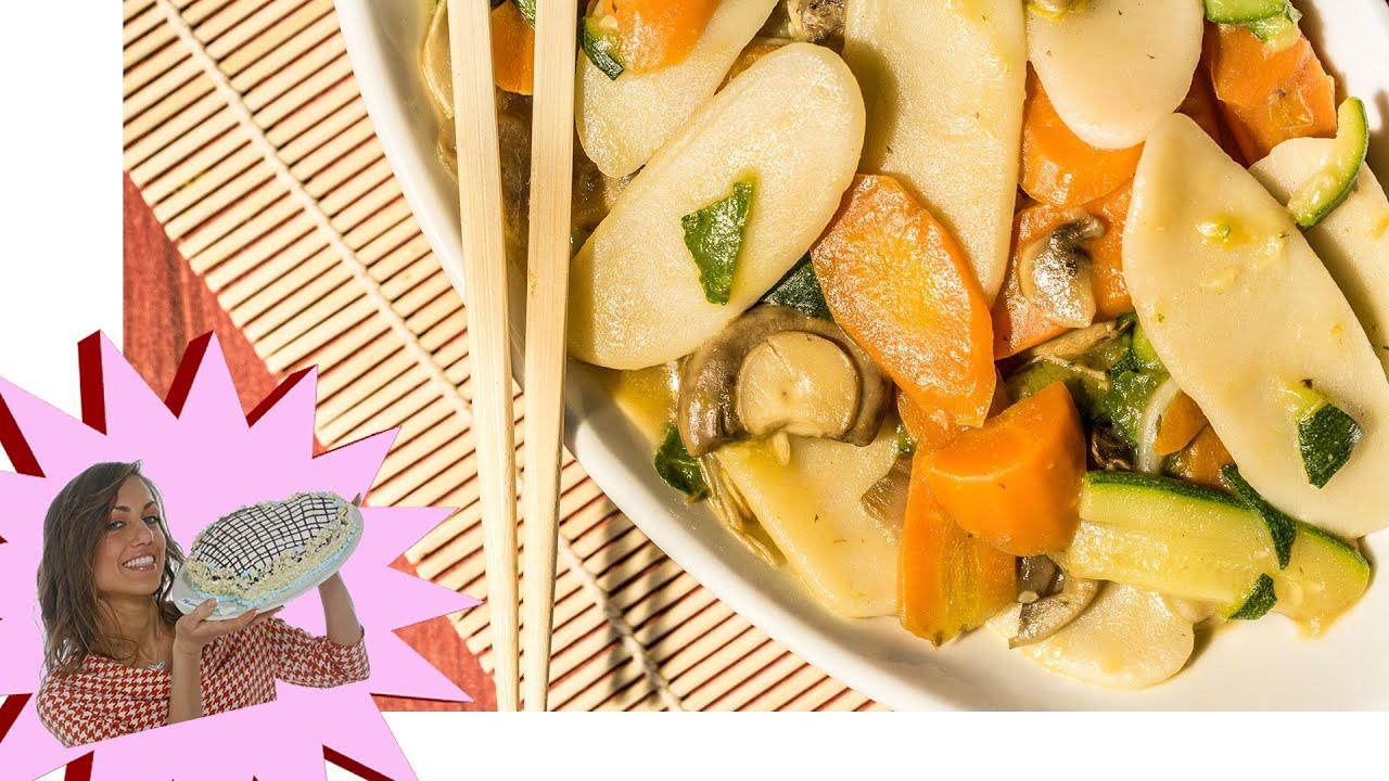 Ricetta Gnocchi Di Riso Cinesi.Gnocchi Di Riso Con Verdure E Salsa Di Soia Youtube