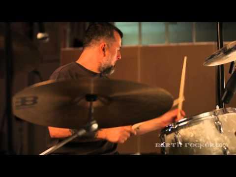Clutch Earth Rocker: JP Warms Up