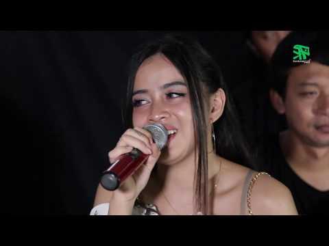 MEMORI BERKASIH ~ Cover By XENA XENITA & PETHAK Ft Om Mbalelos [kroncong Koplo] [dangdut Akustik]