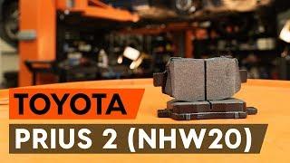 Como substituir pastilhas de travão dianteiros no TOYOTA PRIUS 2 (NHW20) [TUTORIAL AUTODOC]