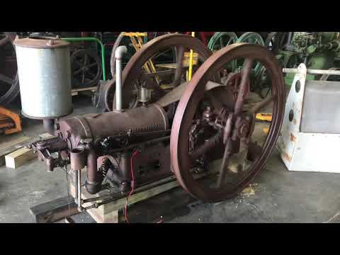 6 hp IHC Famous hit Miss engine