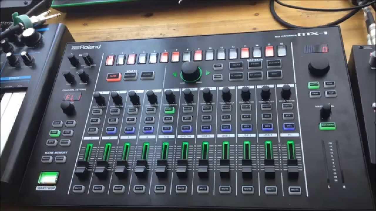 ROLAND DJ 808 REVIEW