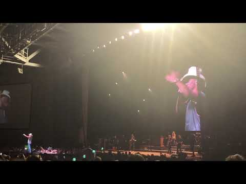 Kenny Chesney - I Go Back (Charlotte 5.11.18)