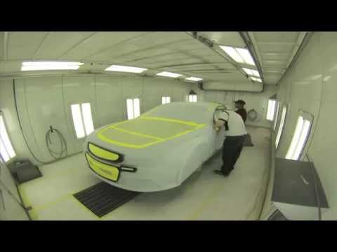 Time Lapse: Gordon's No. 24 car receives a special maroon themed paint job