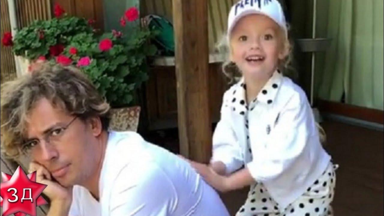 Лиза Галкина: Делаю массаж любимому папе! Дети Пугачевой и Галкина.