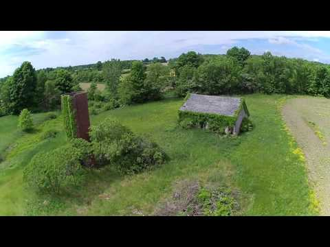 Abandoned Farmhouse near Pymatuning Jamestown Pennsylvania