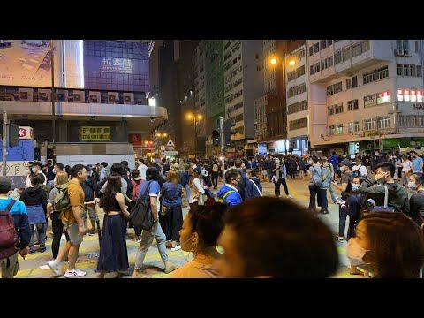 「直播中」11.18旺角港人抗争 抵挡催泪弹攻击