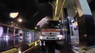Caminhão da CLIN obstrui ciclovia em Niterói
