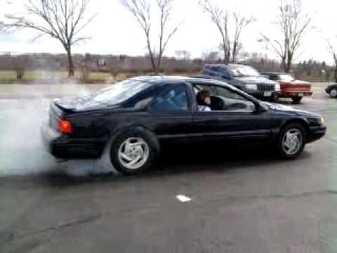 1997 Ford Thunderbird 4.6L V8 Burnout - YouTube