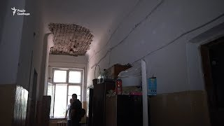 У Запоріжжі родини учасників війни на Донбасі живуть в аварійному гуртожитку
