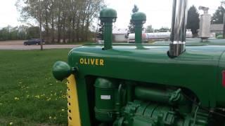 Oliver Tractor w/3-71 Detroit Diesel
