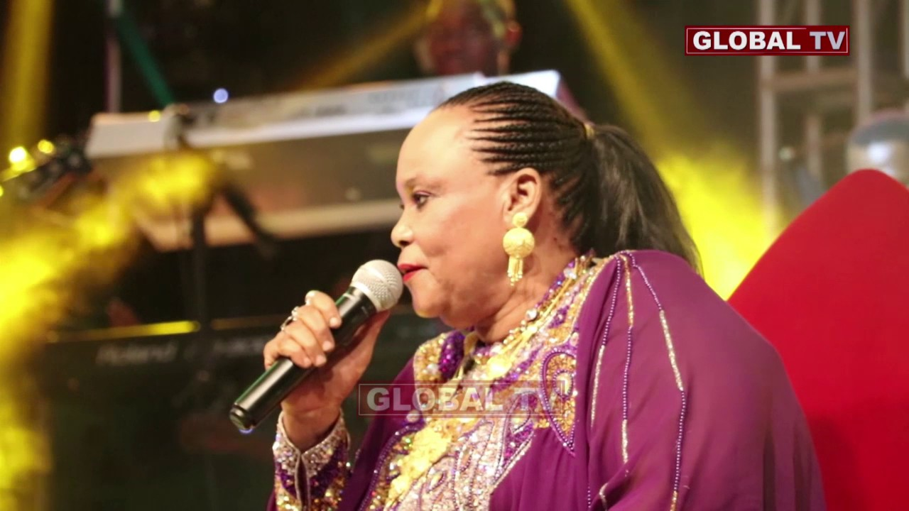 Full Show ya Mwanahela na Jux kwenye Jukwaa la Love Melodies and Lights -  YouTube