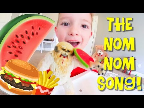 Father & Son SING THE NOM NOM SONG! / Eat Eat Eat!