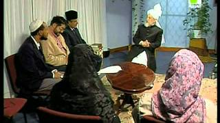Liqa Ma'al Arab 25 December 1997 Question/Answer English/Arabic Islam Ahmadiyya