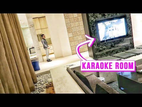 Inside a Taiwanese Love Motel ♥ Luxury Room with Karaoke & Jacuzzi
