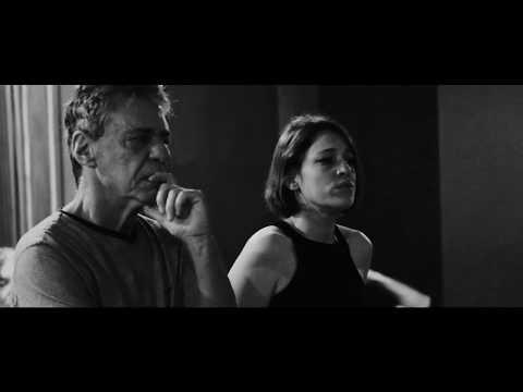 Carminho e Chico Buarque - Falando de Amor (Clipe Oficial)
