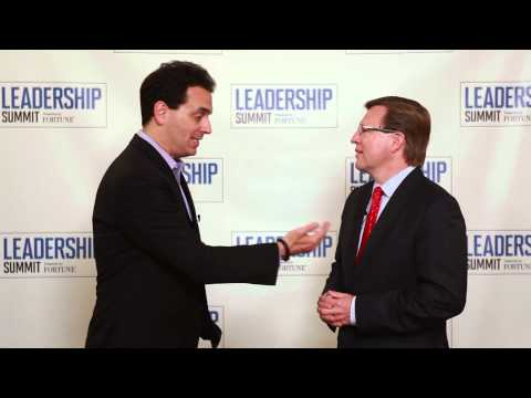 Drive Author Dan Pink Interview with Verne Harnish - Fortune Leadership Summit