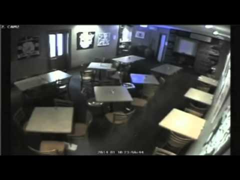 Cámaras de seguridad de un pub en Australia graban apariciones fantasmales y fenómenos inexplicables