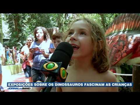 Exposição sobre dinossauros fascinam as crianças