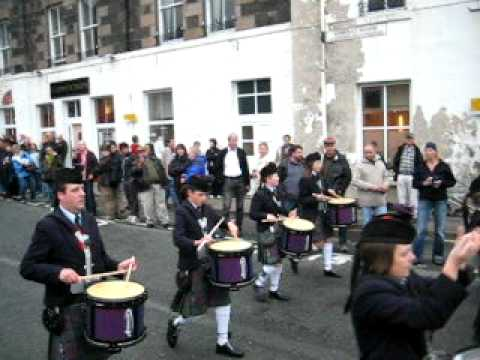 Isle of Skye pipe band plays Portree