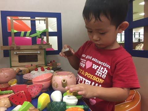 【アメージング・ワールド】キッチンのおままごと♪ 5歳のトレーシーと3歳のスティーブ ★Amazing World★