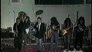 Haragán y Cía No estoy muerto en Mi Barrio (1992)