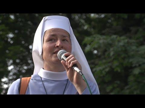 """""""Despacito"""" w trakcie wejścia  37. Pieszej Pielgrzymki Archidiecezji Wrocławskiej na Jasną Górę"""