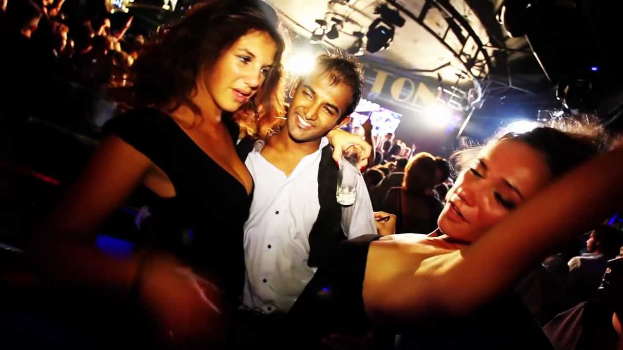 Barcelona nightlife non stop party in barcelona for free for Night club barcelona