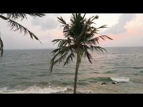 Quiet Indian Ocean in Sri Lanka