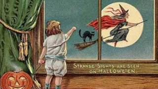 Halloween and the Black Cat  -   Old Postcards