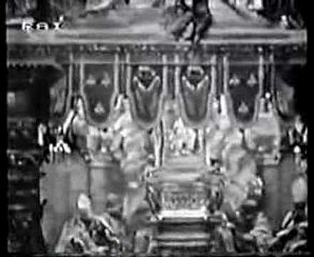Papal Coronation 10 -Gloria and Collect