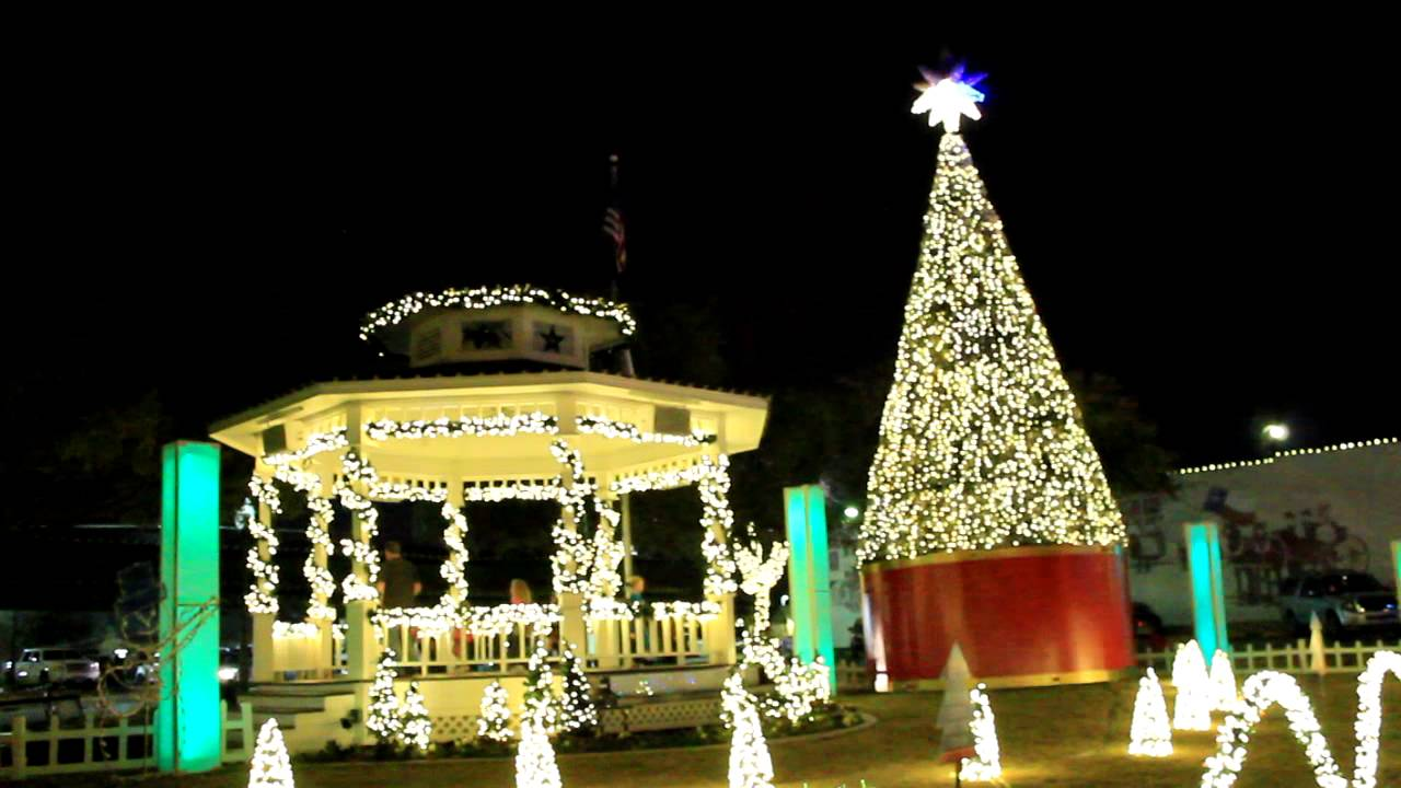 Christmas Light Show - The Grinch - Grapevine, TX - YouTube