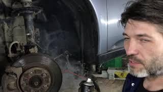 Замена пыльников передних амортизаторов Митсубиси Аутлендер.