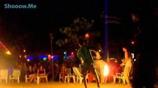 Фаер шоу на острове Пхи Пхи в Таиланде(Путешествуя по Таиланду, мы не смогли пропустить это потрясающее фаер шоу на острове Пхи Пхи. Ребята демонс..., 2010-12-20T10:19:38.000Z)