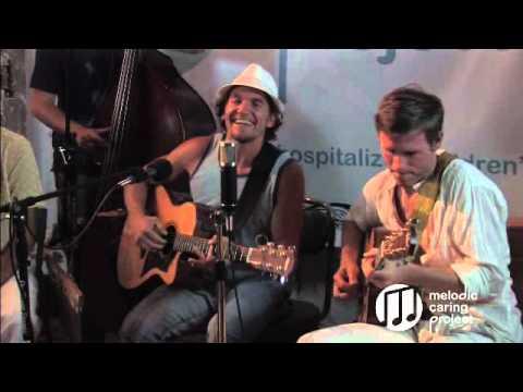 Luc & The Lovingtons- Freedom Song