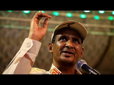 نائب رئيس المجلس العسكري بالسودان: نريد تسليم السلطة اليوم قبل غد…  - نشر قبل 10 دقيقة