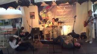 Auch ein Kuschelpunk-Klassiker... Vor allem die Performance!!