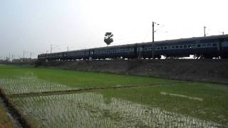 Poorva Express in full glory on Burdwan - Howrah Chord Line